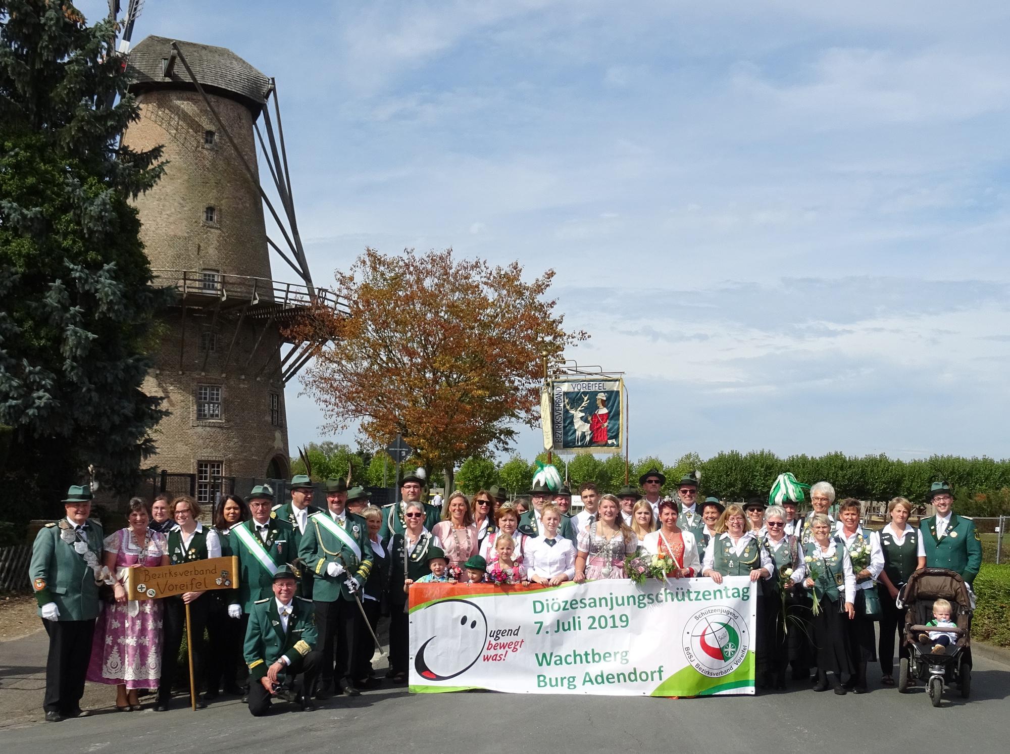 Gruppenfoto nach dem Festzug in Xanten (Foto Walter Honerbach)